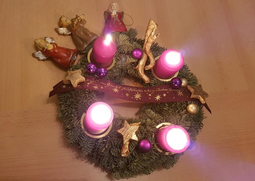 Journalistenwerkstatt 4. Advent: Weihnachtsbräuche, Weihnachtsengel, Christkind, Weihnachtsmann